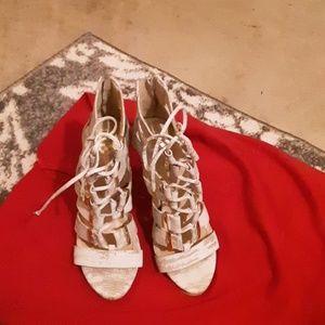 Vince Camuta.  Lace up shoe @ zipper back